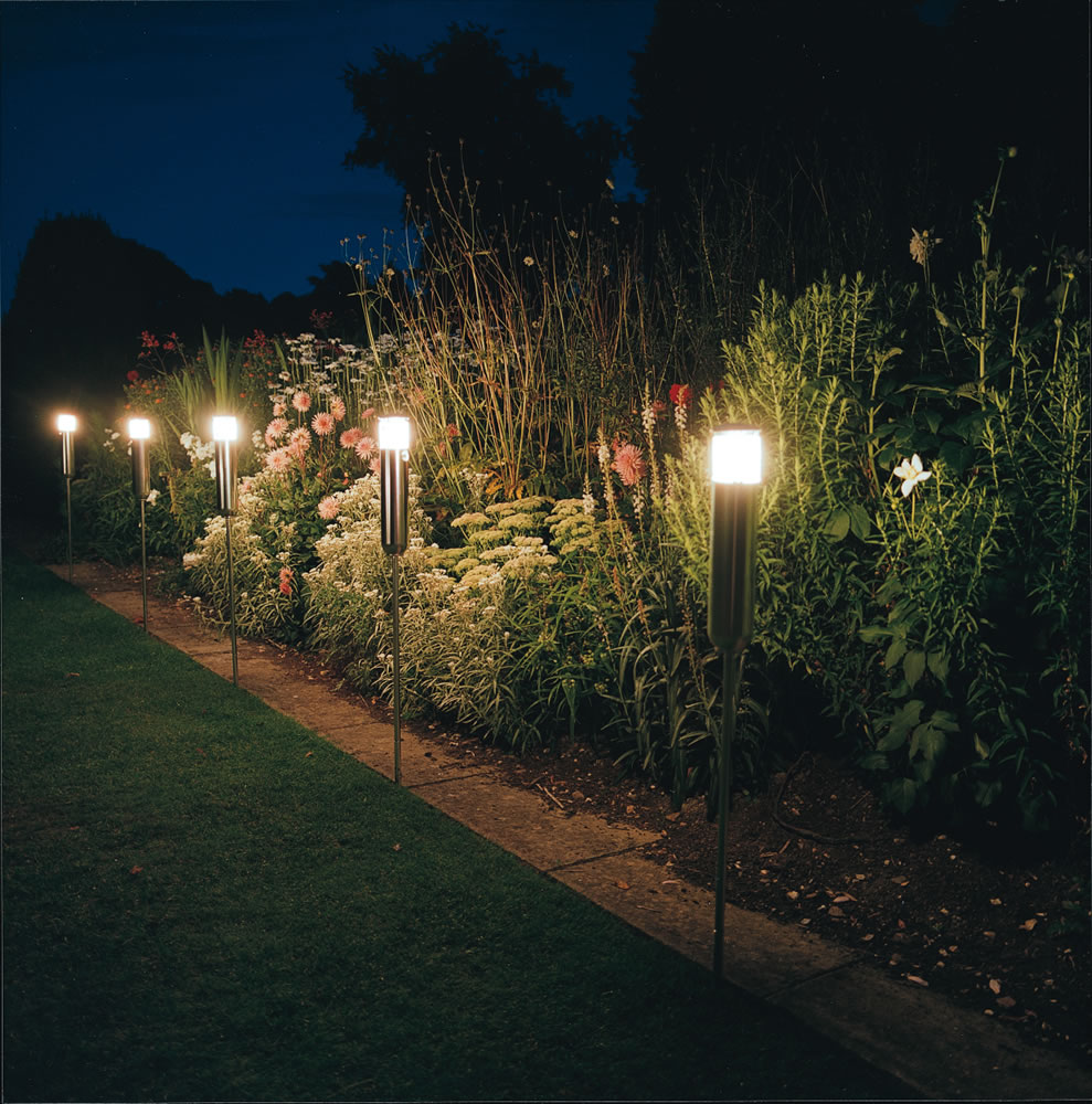 Garden lighting terranova landscapes for Garden lights